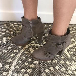 Mossimo Taupe Chunky Heel Moto Bootie size 8